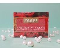 Антивозрастной крем с экстрактами миндаля, пшеницы и розы /Vaadi Herbals / 150 г